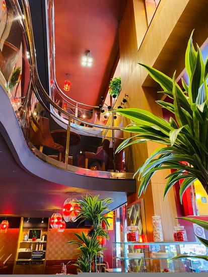 Restaurant : SOFA Café  - Vue sur mezzanines -   © sofacafeparis9