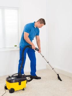 Nettoyer la moquette - Poudre pour nettoyer moquette ...
