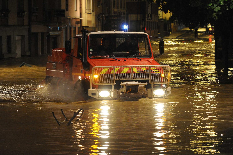 Inondationsà Agen: la ville sous l'eau après les orages, images et prévisions
