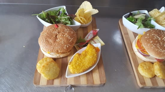 Le Savane Café  - Burger -