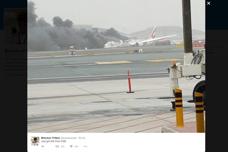 Dubaï: un avion d'Emirates en feu bloque l'aéroport [VIDEO]