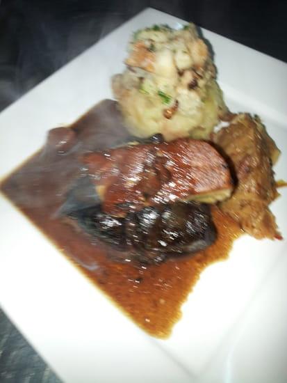 La Table d'Hôte  - plat chaud -   © edwige fernandes