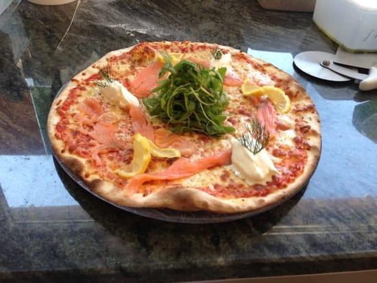 Plat : Auberge des Vanneaux  - Pizza Salmon.. -