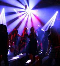 la plus grande discothèque du monde est le privilège d'ibiza.