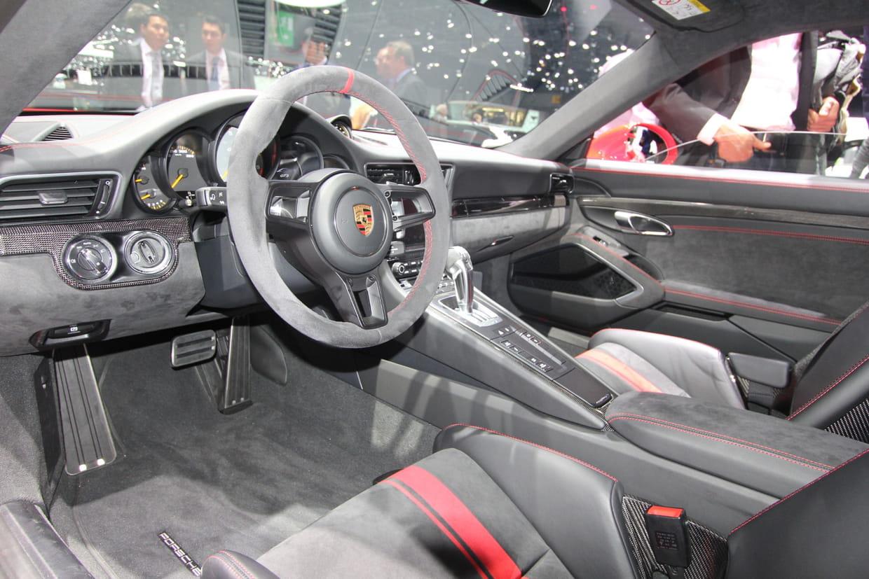 A l 39 int rieur de la 911 gt3 for Interieur 911