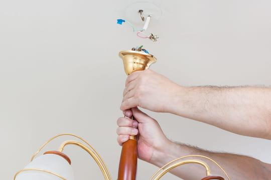 Installer un lustre ou une suspension