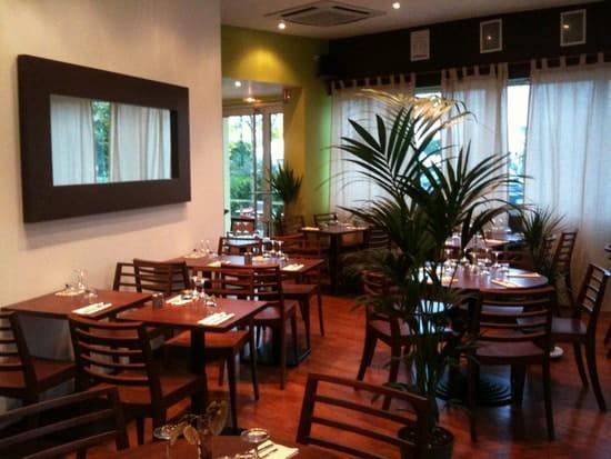 Sainbio  - Salle du restaurant -   © E.R