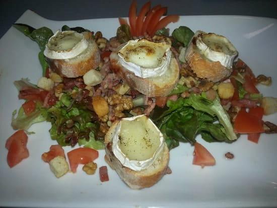 Plat : Restaurant le M  - Salade de chevre chaud -