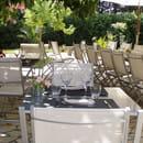 Restaurant : Auberge L'Amandin  - Terrasse sous les arbres -   © amandin