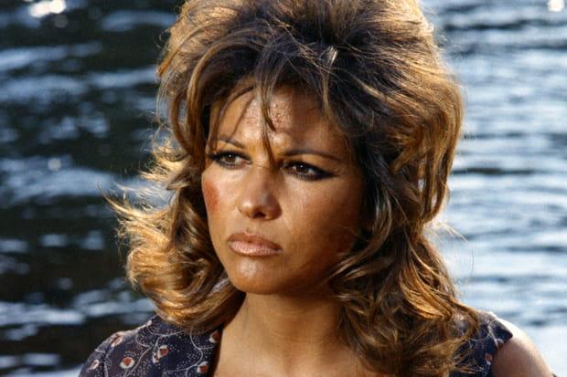 Claudia Cardinale dans Les Pétroleuses en 1971