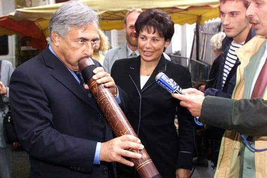 En retrait pour DSK