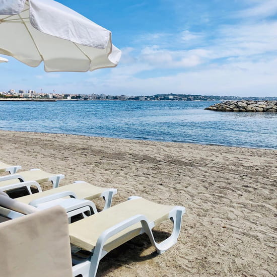 Le Vieux Rocher  - La plage 2 -   © plage