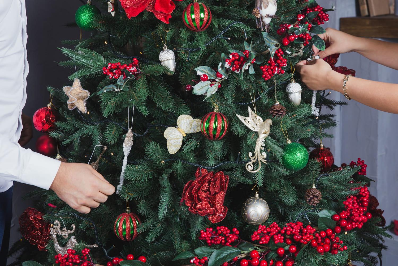 Meilleur sapin de Noël artificiel: bien le choisir, les plus beaux modèles