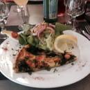 Entrée : Les Cigalons  - Tres bonne la tarte saumon épinard -