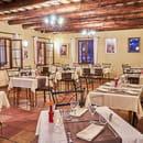 Restaurant : Les Amandiers  - vous pouvez aussi manger à l'intérieur, et de pouvoir profiter d'un cadre sympathique -   © Copyright