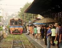 Des trains pas comme les autres : Thaïlande