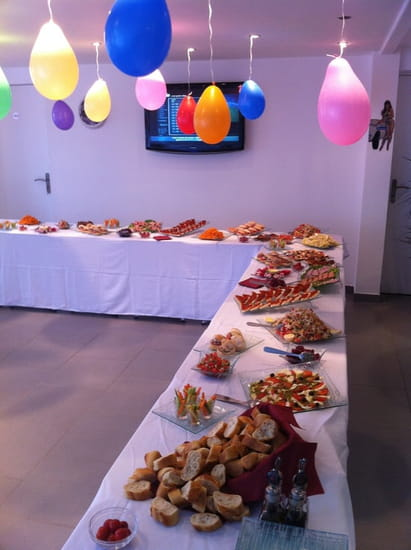 Karen's Café  - Buffet banquet -   © frances frederic