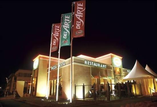 Pizza Del Arte  - Photo de nuit façade -