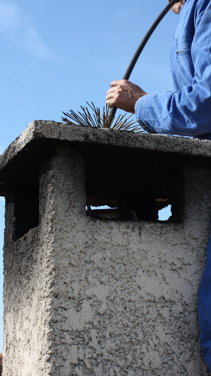 Quand Acheter Son Bois De Chauffage ramoner la cheminée