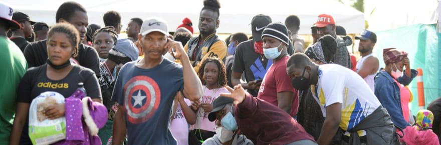 """Pour les Haïtiens bloqués en Colombie, le """"rêve américain"""" coûte que coûte"""