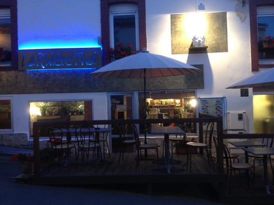 Restaurant : La Rivière Thaï  - terrasse le soir -