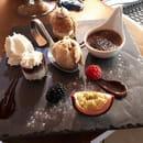 Dessert : Le Vieux Terroir  - Café gourmand -   © Restaurant