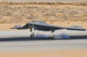 Décollage réussi pour le drone automatique X47B