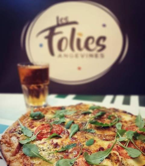 Plat : Les Folies Angevines  - Pizza et boisson -   © Non
