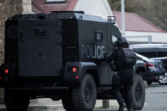 Prise d'otages à Lourdes: le forcené maîtrisé, la piste d'un conflit privé