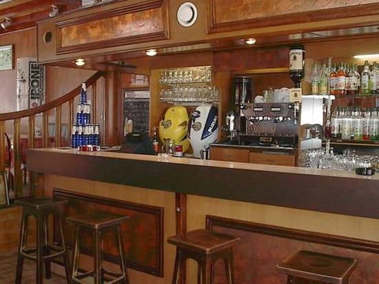 Café de la Place  - Le bar -