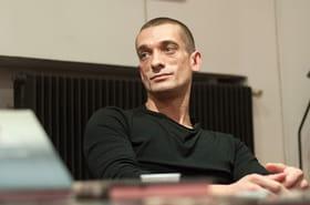 Piotr Pavlenski: qui est l'artiste russe à l'origine du retrait de Benjamin Griveaux?