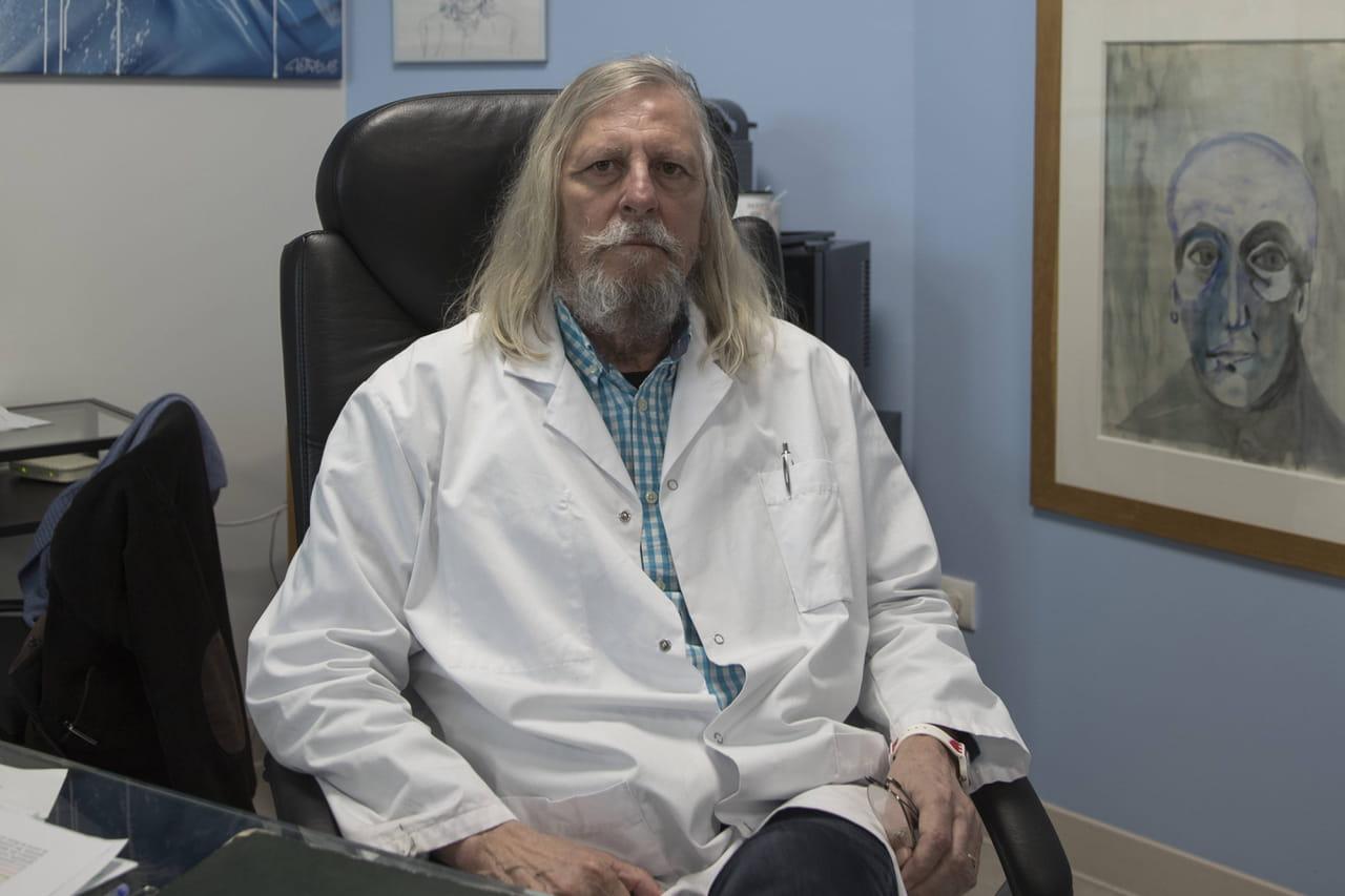 Didier Raoult: interrogé par BFMTV, le médecin fait le show