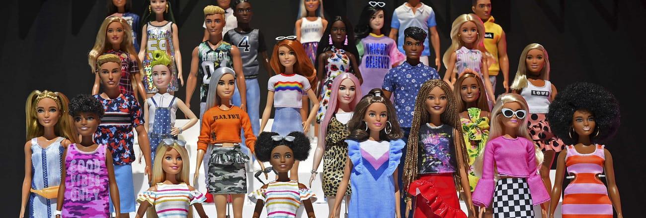 Barbie a 60ans! Retour sur son évolution physique en images