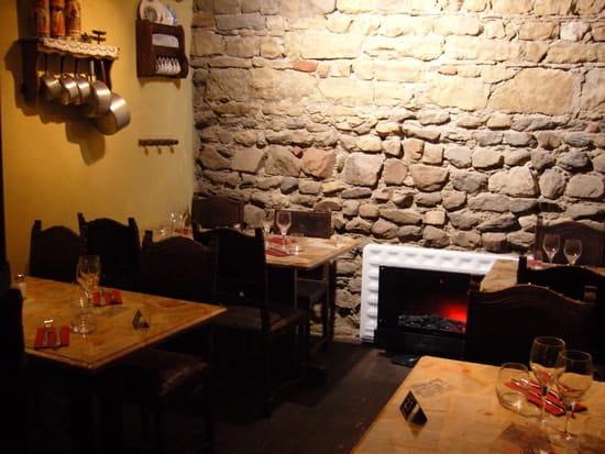 Bouchon Lyonnais Chez Louise  - Caveau Chez Louise -   © Com Impact