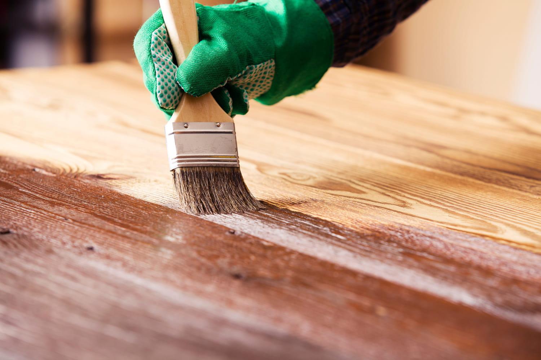 Vernir du bois: un résultat impeccable en six étapes