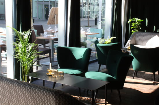 Restaurant : Les Bonimenteurs  - petit salon -   © karine jaffrelot