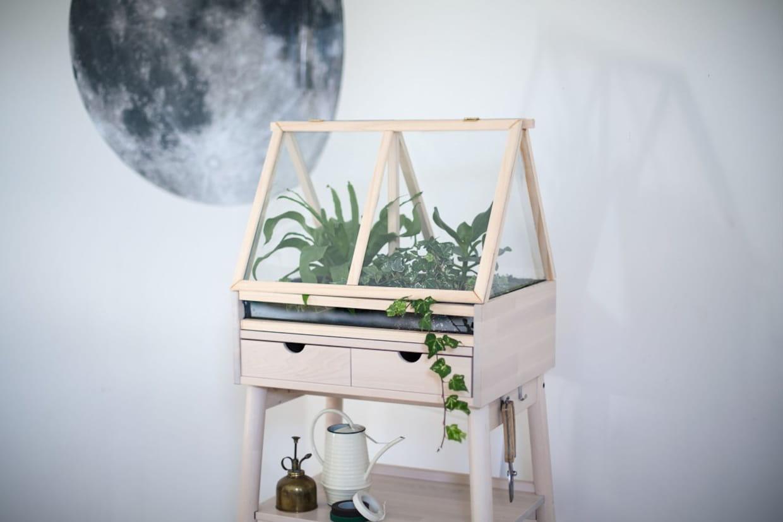 une serre d 39 int rieur. Black Bedroom Furniture Sets. Home Design Ideas