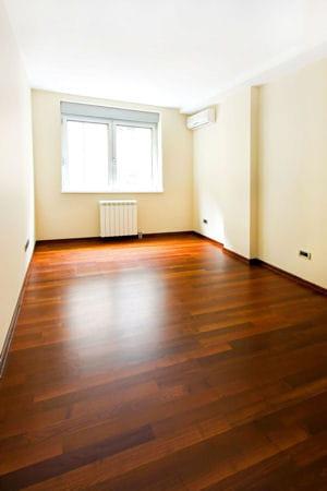 dissoudre une tache de gras sur du parquet. Black Bedroom Furniture Sets. Home Design Ideas