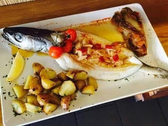 Plat : Le Passy  - Bar entier sauce espagnole  -