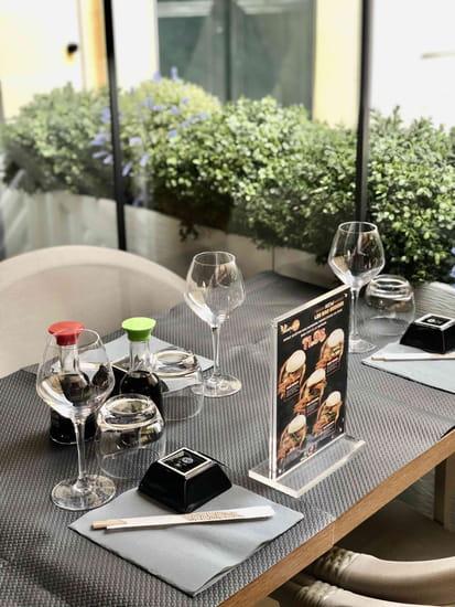 Restaurant : Sushicom  - Terrasse extérieure -   © SUSHICOM