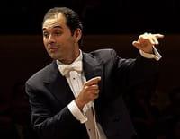 Tugan Sokhiev dirige Brahms et Dvorák