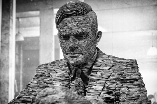 Alan Turing: biographie courte de l'homme qui a décrypté Enigma
