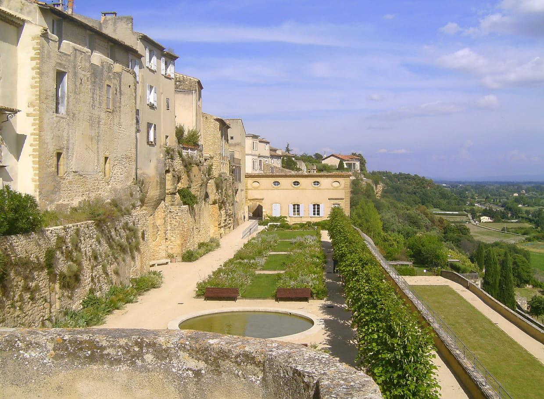 Provence alpes c te d 39 azur a voir m t o monuments guide de voyage tourisme - Meteo france salon de provence ...