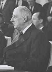 charles de gaulle, 1er président de la ve république.