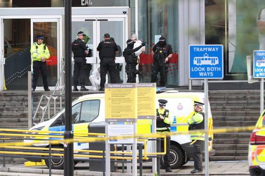 Attaque au couteau à Manchester: la piste de l'attentat privilégiée, ce que l'on sait du suspect