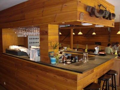Les Fondus de la Raclette  - le bar  -