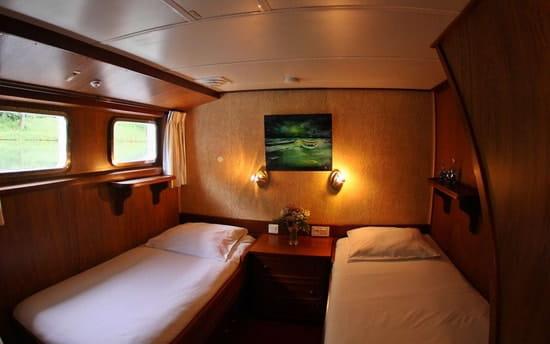 Aquitaine-Croisières : Repas Croisières  - Possibilité de dormir dans l'une de nos 12 cabines -   © Aquitaine-Croisières 2012
