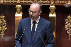 Discours d'Edouard Philippe: tabac, vaccins, RSI... Les annonces