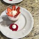 Dessert : La Table du Colombier  - Nuage de rhubarbe fraise -   © Copyright