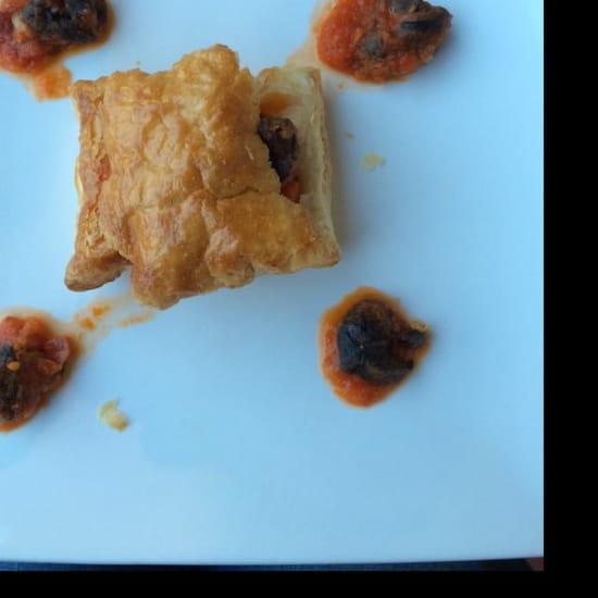 Entrée : Auberge du Cheval Blanc  - Feuilleté d'escargot a la provençale  -